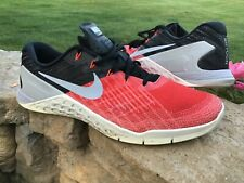 Men's SIZE 11.5 NIKE METCON 3 athletic Shoes