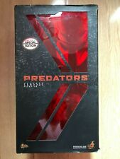 Hot Toys MMS 162 Predators Classic Predator 14 inch Figure (Special Version)