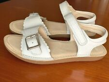NEW Clarks Girls IVY BLOSSOM White Leather Sandals- ALL SIZES (F Fittings)