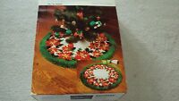 Bernat Vintage 1982 Latch Hook Christmas Poinsetta Rug/Skirt Kit Floral