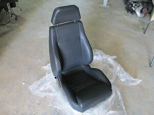 Ferrari 348 - RH / Passenger Seat (black) # 629398