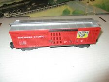 American Flyer 24077 NP Pig Palace stock car (F2542)
