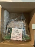 PARTYLITE The Church Olde World Village Tealight Candle Holder P7321