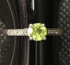 9ct White Gold Peridot And Diamond Ring. Size M1/2