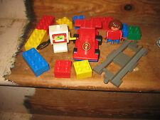 Duplo Lego coche de carreras de trabajo de pista de bomba de gasolina construir Surtida ladrillos playfigure