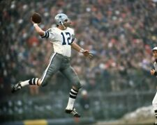 ROGER STAUBACH 8X10 PHOTO DALLAS COWBOYS PICTURE NFL FOOTBALL ACTION