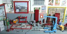 Impressive lot of accessories for diorama 1/24 garage, diorama (Read descript.)