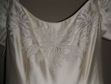 VINTAGE YOLANDA EMBROIDERED SILK WEDDING GOWN-OFF WHITE-SZ.10-GORGEOUS DETAILING