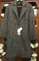 ZARA SOLD OUT HERRINGBONE BLACK AND  WHITE COAT SIZE M