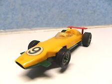 D 12 ) BRM  F1 jaune / verte modele eco N° 9 ref : 3600  circuit routier jouef