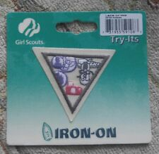 Brownie Girl Scouts HOBBIES Badge Try It Iron On Emblem Patch NIP