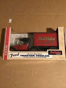 1918 ERTL Ford Tractor Trailer Bank w/Key True Value Die Cast! NIB! 1/25 Scale