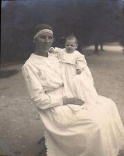 Snapshot juin 1922 religieuse et enfant bébé voile sage-femme photo