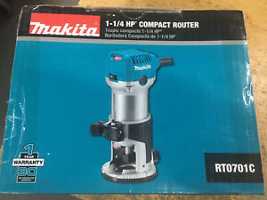 "Makita RT0701C 1-1/4"" Horsepower Compact Router + Ryobi A25R151 Router Bit Set"