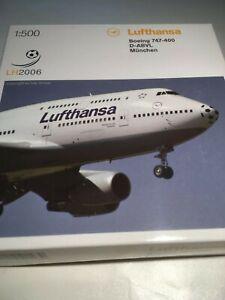 """HERPA 501439 Lufthansa Boeing 747-400 """"Fußballnase"""" D-ABVL   """"München""""   1:500"""