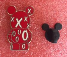 Pins DISNEY Poupée Mickey Rouge Avec Croix Et Rond Blanc