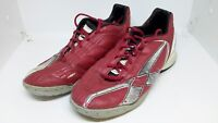 Umbro Boys  Astroturf Trainers Size 4.5 UK  Red / White