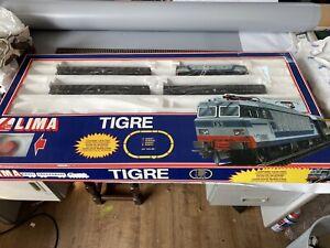 Lima FS 'Tigre' Train Set with E633 electric locomotive and 3 coaches, no track.