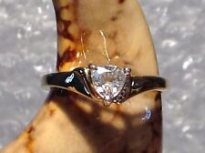 9ct GOLD CZ SET ENGAGEMENT STYLE RING  - SIZE N - Ref 2701.4