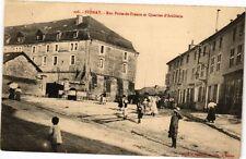 CPA Stenay - Rue Porte-de-France et Quartier d'Artillerie (240842)