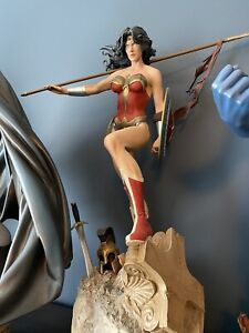 SIDESHOW WONDER WOMAN PREMIUM FORMAT FIGURE STATUE-AS NEW!
