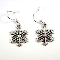 Christmas 2cm snowflake dangly drop earrings sterling silver hooks xmas winter