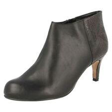 40 Stivali e stivaletti da donna spilliamo con tacco medio (3,9-7 cm)