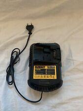 Caricabatterie originale Dewalt DCB105   per batterie XR10.8/14.4/18V