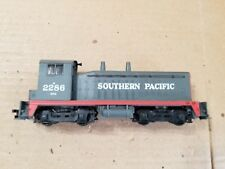 Athearn HO Southern Pacific SW-1500 Dummy Locomotive #2286 (no handrails)