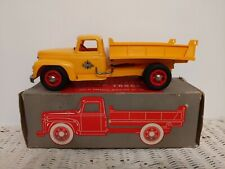 1950s PRODUCT MINIATURE INTERNATIONAL HARVESTER DUMP TRUCK TOY BEAUTIFUL IN BOX
