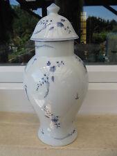 POTICHE PORCELAINE LIMOGES Décor Fleurs bleues 30 cm
