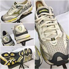 Mizuno Wave Nirvana 2 Size 9 Women White Yellow Running Shoes EUC YGI A7-65
