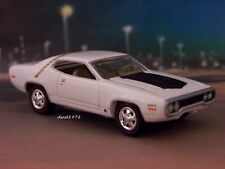1971 71 PLYMOUTH ROAD RUNNER COLLECTIBLE DIECAST MODEL - 1/64 SCALE DIORAMA