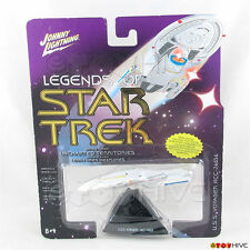 Legends of Star Trek Johnny Lightning USS Voyager NCC-74656 series 3 light wear