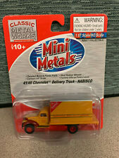 Classic Metal Works 30299 HO-Scale 1941-46 Chevy Box Truck: Nabisco