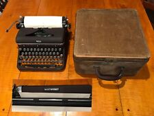 Vintage 1940's  ROYAL QUIET DELUXE Manual Portable TYPEWRITER in CASE Brown