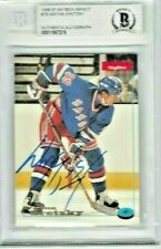 Wayne Gretzky 99 Auto Card '96-97 Skybox Impact  Beckett Authentic  NYR
