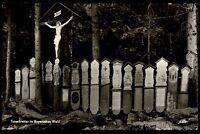 Bayerischer Wald alte s/w Ansichtskarte ~1950/60 Totenbretter Gruppe mit Kreuz