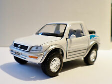 WHITE TOYOTA RAV 4 Concept CAR Crossover SUV Truck Diecast Model 1/32 Pull Back