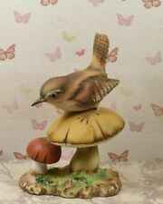 Very Cute Porcelain Royal Osborne / Doulton Jenny Wren on Toadstools