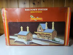 Hornby R593 Town Station And Original Box.