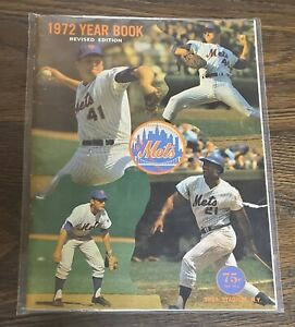 1972 New York Mets Yearbook Revised Edition June 23 Roster Seaver  Willie Mays