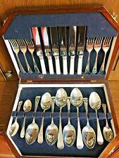 "Harrison Fisher & Co. ""Trafalgar"" Sheffield Wooden Canteen of Cutlery 26 Pieces"