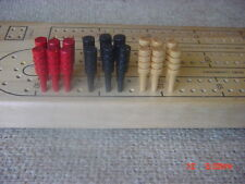 18 cribbage pegs (3 colors)