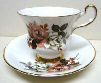 ROYAL WINDSOR-ENGLAND-SET-CUP&SAUCER-FINE BONE CHINA-GOLD ACCENTS-VINTAGE