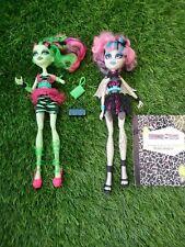 Monster High Muñecas Zombie Shake Rochelle Goyle & Venus Mcflytrap Bolsas diario