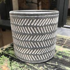 Cemento Grigio Scuro Vaso Fioriera Copertura Stampa Geometrica a righe stampa Gisela Graham