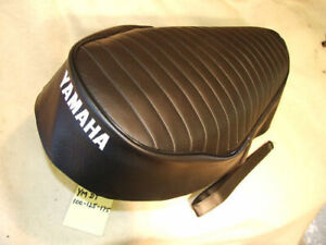 YAMAHA DT100/125/175 UK MODEL SEAT COVER AND STRAP  ONLY