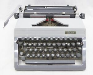 ERIKA 40 Typewriter with case and manuals / CURSIVE LETTERS - WORKING