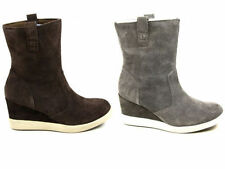 Suede Wide (C, D, W) Casual Shoes for Women
